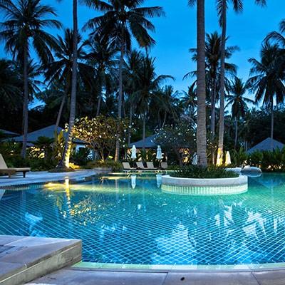 Hôtels, swimming pools...